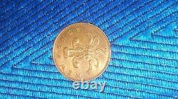 EXTREMELY RARE 1971. Original Old Coin New Pence 2p Coin Fleur de Iris
