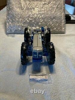 Extremely Rare 1/16 County Super 4 Tractor Ernest Doe 2008 Ltd Edition UH2781