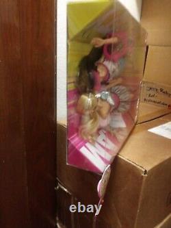 Barbie Fashionistas Swappin' Styles Glam & Sporty Cadeau Set Extrêmement Rare Nouveau