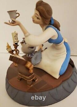 Extrêmement Rare Beauty And The Beast Markrita Belle Statue De 10ème Année Avec Beast Pin