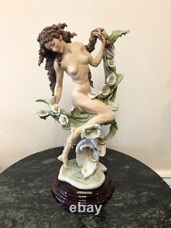 G. Armani Extrêmement Rare Limited Edition A. P. Lilia Figurine Nue