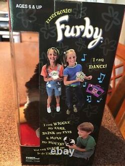 Special Limited Edition Extremely Rare Misprint Box Graduation Furby #70-886