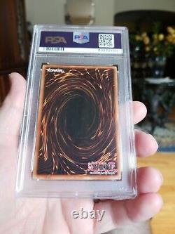Yugioh Dark Magician Lob 005 1er Éd. Wavy Psa 7 Near Mint Cond. Extremely Rare